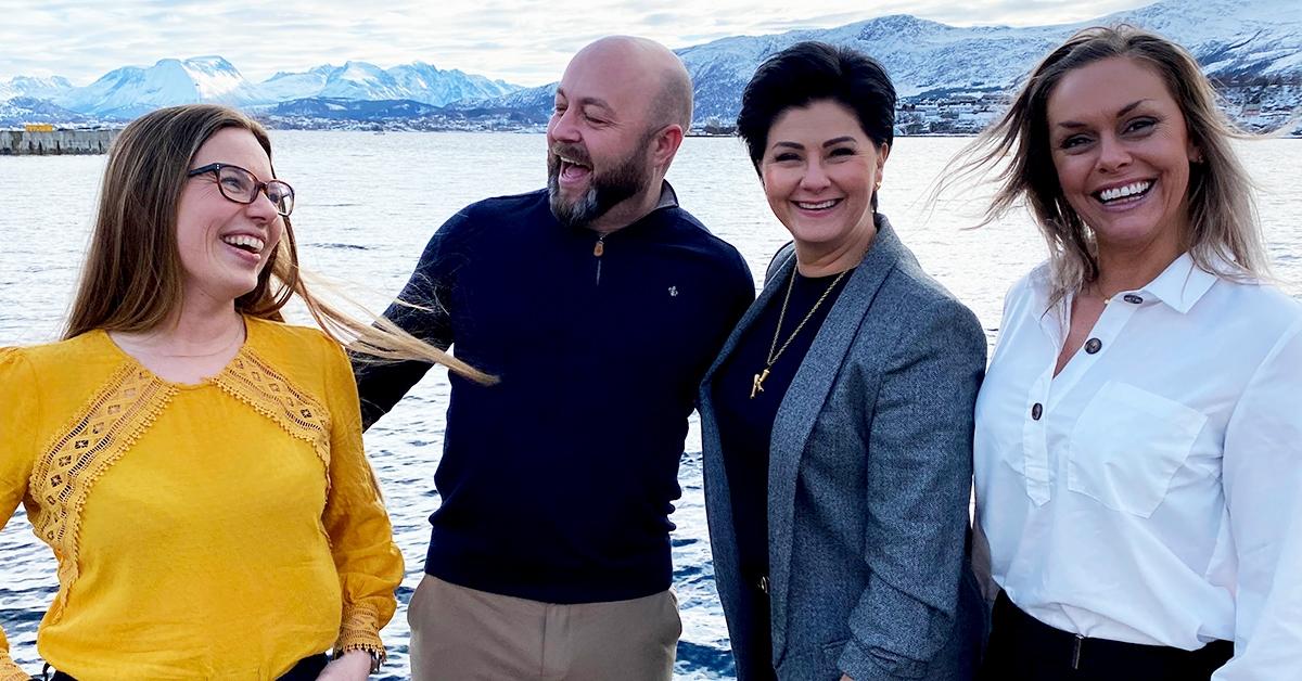 GLEDELIG TILSKUDD: Frank Victor Valderhaugstrand, Kimy Fagermo og Kristin Beate Aarseth er veldig fornøyde med å få Beate Stavdal Riise (t.v.) med på B2B ARENA-laget!