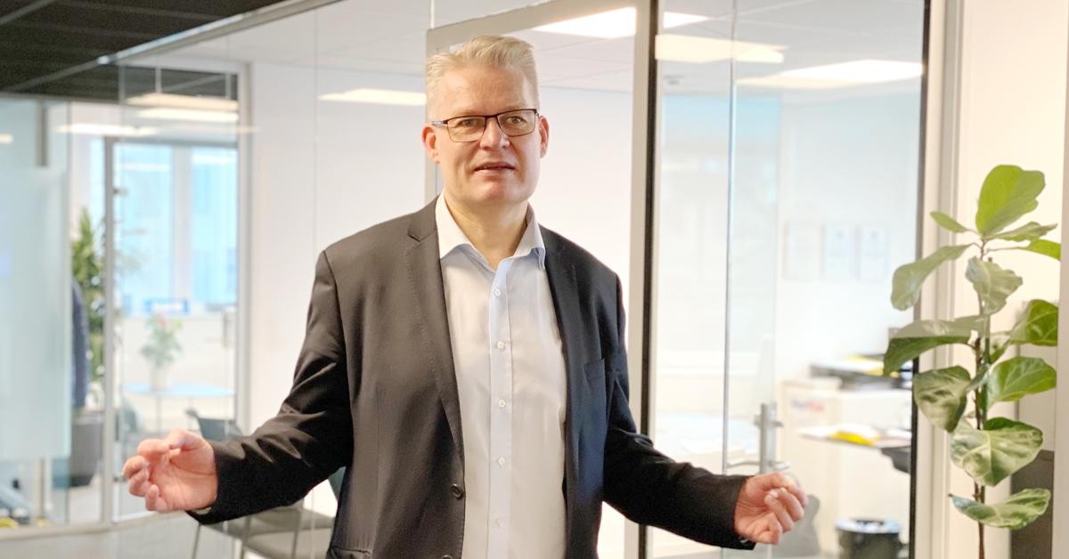 ØYE FOR DETALJER: Harald Skuseth, eier og daglig leder i Æge AS, er brennende opptatt av at han skal være en ressurs for sine kunder. Og han kan fortelle at han har et helt eget blikk for hva som må til for å skape verdiene.