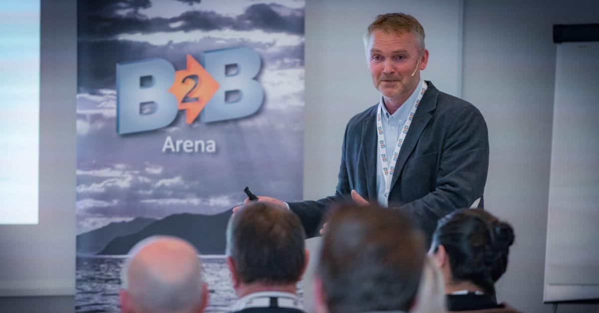 BÆRER FRUKTER: Arne Grim Maurstad, kontorleder for Norconsult Sunnmøre, kan fortelle om et medlemsskap i B2B ARENA som for deres del bærer frukter på flere måter. Her under Norconsult Sunnmøres bedriftspresentasjon under en av nettverkssamlingene.